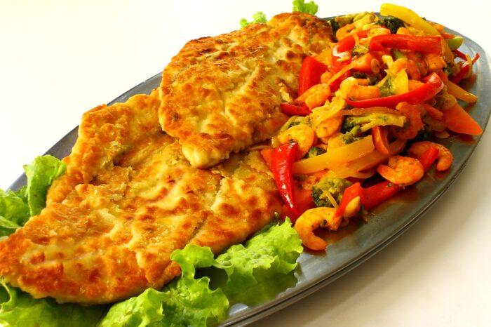 Нельма с овощами